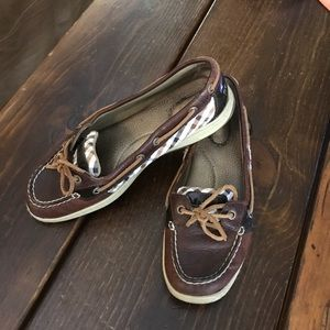 Sperry brown with plaid size 8.5